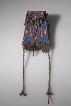 Full Image and Description Native American Beadwork, Native American Indians, American Words, Pouch Bag, Pouches, American Traditional, Beaded Bags, Contemporary Artwork, Anthropology