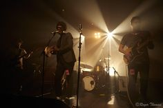 Curtis Harding Curtis Harding (vocals guitar); Sean Thompson (guitar)  Roger Thomas 2015 - mingus999@hotmail.com / Curtis Harding - Village Underground London 28th Oct 2015