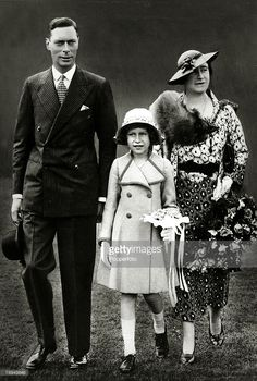 Queen Elizabeth II: King George VI, Princess Elizabeth and Queen Elizabeth. Love this picture for King VI, Queen Elizabeth II, princess Elizabeth (Queen Elizabeth II). George Vi, History Of Queen Elizabeth, Young Queen Elizabeth, Fashion Through The Decades, Decades Fashion, Duchess Of York, Isabel Ii, British Royal Families, Her Majesty The Queen