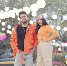 Dil vch lakhaan ne gallaan 💕 Which is your fav line and part of beautiful video? Tell me in comments Funny Couple Pictures, Punjabi Couple, Funny Couples, News Songs, Rain Jacket, Windbreaker, Leather Jacket, Poses, Jackets