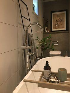 Bathroom www.junesdagbok.no Washroom, Bathtub, Spaces, Home, Standing Bath, Bathtubs, Laundry Room, Bath Tube, Ad Home