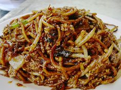Malaysian food- fried noodles