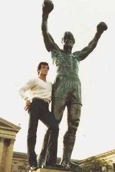 Sylvester Stallone with 'Rocky' Statue in Philadelphia. Rocky Balboa Movie, Rocky Balboa Poster, Rocky Balboa Quotes, Rocky Film, Rocky 3, Rocky Sylvester Stallone, Rocky Stallone, Keanu Reeves, Rock Balboa
