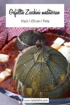 Gefüllte Zucchini mediterran mit Hack, Oliven und Feta #GefüllteZucchini #Zucchini