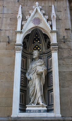 sculptures at orsanmichele church essay Peter gentenaar isn't any ordinary paper artist he creates extraordinarily beautiful paper sculptures that have an ethereal quality to them his exhibitio.