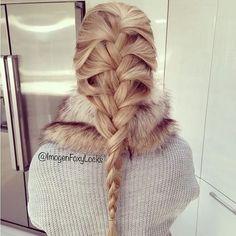 http://www.hairstyles-haircuts.com/ . Fryzury Blond włosy: Fryzury Długie Na co dzień Proste Warkocze Blond - Justyna Zielińska6 - 2567939