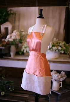 Beautiful peach apron for flower shop