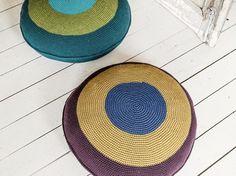 DIY-Anleitung: Sitzpouf in 3 Farben häkeln / diy crochet tutorial for poufs, home decor via DaWanda.com