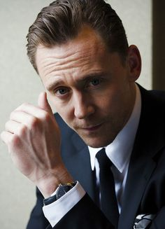 Tom Hiddleston photographed by Takako COCO Kanai in Japan for cinematoday. Via Torrilla (http://m.weibo.cn/status/4091505709046151#&gid=1&pid=9) Full size image: http://wx2.sinaimg.cn/large/6e14d388gy1fe6fxusz4nj21kw11q48k.jpg