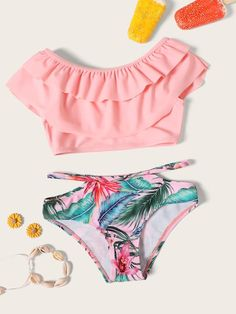 To find out about the Toddler Girls Tiered Layer Top With Random Tropical Bikini at SHEIN, part of our latest Toddler Girl Swimwear ready to shop online today! Bathing Suits For Teens, Summer Bathing Suits, Swimsuits For Teens, Cute Bathing Suits, Cute Swimsuits, Teen Fashion Outfits, Girl Outfits, Cute Outfits, Swimwear Fashion