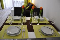 Isn't that nice! Vienna, Table Settings, Traditional, Stylish, Nice, Room, Table Top Decorations, Place Settings, Rooms