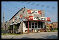 Pictures of Depot Bottom Old Country Store in Mc Minnville. Browse Depot Bottom Old Country Store pictures and videos. Old General Stores, Old Country Stores, Country Life, Mcminnville Tennessee, Route 66, Cabaret, Pompe A Essence, Farm Store, Old Gas Stations