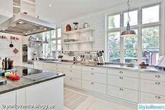 lampa i kök utan överskåp | vitt,lantligt,shabby chic,kök,silver