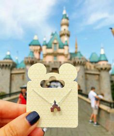 Disney's best view ✨✨Picked up this little piece of magic for my Disney pa. - DISNEY WISH LIST - The Best Jewelry Gift Ideas for the Holidays Disney Mode, Walt Disney, Disney Pins, Disney Magic, Disney Trading Pins, Disney Couture, Disney Dream, Cute Disney, Disney Style