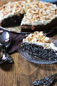 Mohnkuchen mit Milchmädchencreme * Marzipan unter den Teig gemischt, die Creme ist heftig lecker Febr 16