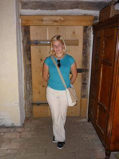 Khaki Pants, Suits, Travel, Fashion, Voyage, Khakis, Outfits, Moda, La Mode
