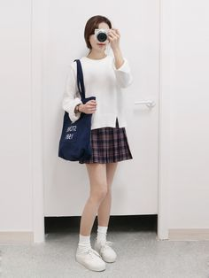 Korean fashion | Womenswear | Mini skirt