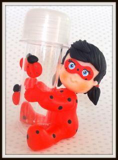 Lembrancinhas da Ladybug e Cat Noir do desenho Miraculours! São lembrancinhas no mini tubete, as balinhas não incluso.
