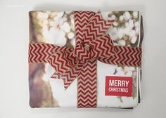 Blanket gift idea with free printable 'Merry Christmas' tags #shutterflydecor