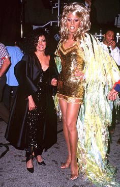 RuPaul Diana Ross during Video Shoot Remake of 'I Will Survive Video' at Santa Monica Boulevard in Santa Monica California United States Diana Ross, Rupaul Drag Queen, Drag King, Black Girl Aesthetic, Celebrity Look, Celebs, Celebrities, Big Hair, Our Lady