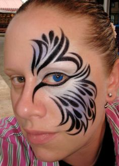 DIY Halloween Makeup : Feathered Wing of Blue