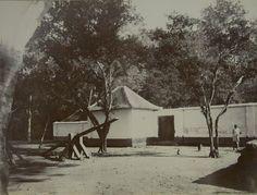 Badplaats Mendit bij Malang 1880-1899.
