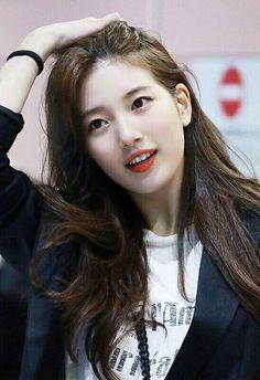 Suzy 180719 Incheon Airport to Taiwan Bae Suzy, Korean Actresses, Korean Actors, Korean Beauty, Asian Beauty, Korean Celebrities, Celebs, Asian Woman, Asian Girl