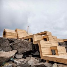 Oslo+architecture+students+build+a+wooden+sauna+that+steps+over+the+Norwegian+landscape