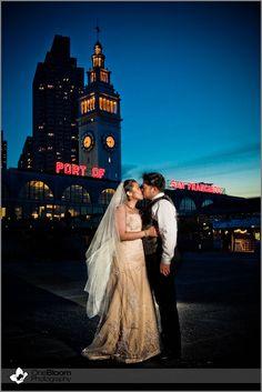 port of san fransisco, wedding, couple, night, dark, sunset, bride and groom, kiss, beautiful, city lights, onebloom photography, wedding photography