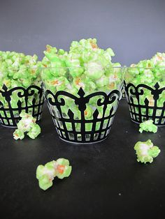 Green Slimed Popcorn - fun for a Halloween movie night! Turtle Birthday Parties, Ninja Turtle Birthday, Ninja Turtle Party, 5th Birthday, Ninja Turtles, Birthday Ideas, Ninja Turtle Cupcakes, Halloween Treats, Halloween Party