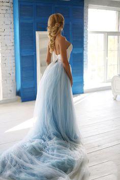 Bohemian Wedding Dress / Two Piece Wedding Dress / Corset Sky   Etsy Ombre Wedding Dress, Tulle Wedding Skirt, Two Piece Wedding Dress, Blue Wedding Dresses, Wedding Blue, Wedding Attire, Wedding Colors, Dream Wedding, Dress Wedding