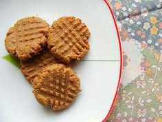 almond butter cookies--just two ingredients: almond butter and egg