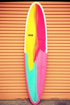 Pretty cool surfboard. If I ever went surfing...