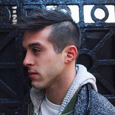 We ship world wide! Get New York City's finest men's hair products delivered to your door.  Model: @sammydigi  Hair: @fosterglorioso  #cartersupplycompany #cartersupplyco #hair #style #men #menshair #menstyle #menswear #mensstyle #mensfashion #haircut #hairstyle #fashion #fashionmen #menwithstyle #fit #fitfam #fitness #primeshots #instagood #hairfashion #travel #streetfashion