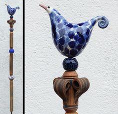 Gartenschmuck VOGELSTELE in Blautönen von Werkstatt für Gartenkeramik Brigitte Peglow auf DaWanda.com
