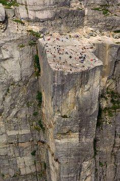 Roca Preikestolen: asomarse es de valientes