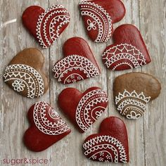 valentines gingerbread by Michaela Canady Fancy Cookies, Valentine Cookies, Cute Cookies, Royal Icing Cookies, Holiday Cookies, Cupcake Cookies, Be My Valentine, Christmas Desserts, Christmas Treats