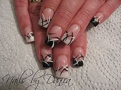 French Black & White nail art, from nailartgallery
