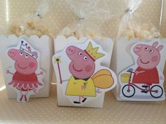 Peppa Pig Party Popcorn or Favor Boxes - Set of 10 by PartyByDrake on Etsy https://www.etsy.com/listing/458941888/peppa-pig-party-popcorn-or-favor-boxes