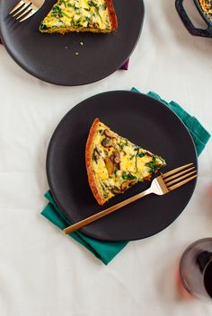 Arugula and Cremini Quiche with Gluten-Free Almond Meal Crust // Cookie & Kate Almond Recipes, Gluten Free Recipes, Gourmet Recipes, Vegetarian Recipes, Cooking Recipes, Healthy Recipes, Meat Recipes, Vegetarian Thanksgiving, Bon Appetit