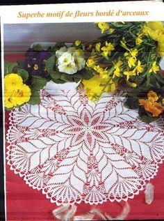 Crochet Knitting Handicraft: napkins new 6 Crochet Motif Patterns, Crochet Chart, Filet Crochet, Crochet Books, Crochet Home, Thread Crochet, Mantel Redondo A Crochet, Crochet Dollies, Pineapple Crochet