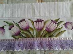 Resultado de imagem para pintura em tecido com ramo de tulipas