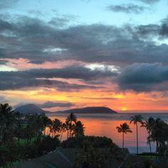 An inspiring #sunrise over Koko Head in Oahu, Hawaii.    Photo courtesy of jnasa on Instagram.
