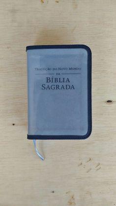 Capa Bíblia pequena transparente viés azul marinho