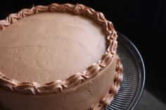 How to Build a Layered Cake (the right way). Great tips!