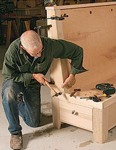 Build a Breakfast Bench construction tips- this cat John White is the Bee's knees