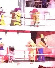 Funny Gifs ~ Disney Cruise Parade, Dope falls through rail onto Goofy