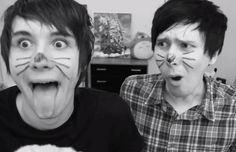 Dans tounge is as long as mine wired and Phil's is as long as my sisters cuz wen we were watching this video we checked who's is like dans and mine. Is like dans