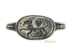 Silver signet ring 15 -16th century Berganza