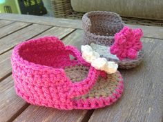 Annoo's Crochet World: Little Lady Booties Free Pattern